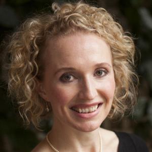 Dr Caroline Catt